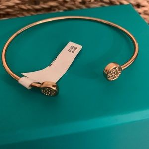 Jewelry - Dainty gold bangle bracelet